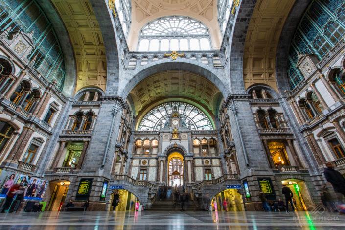 Trainstation / Antwerpen